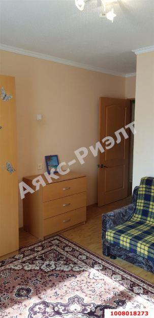 Продается двухкомнатная квартира за 3 200 000 рублей. Краснодар, Западный, им Думенко, 12.
