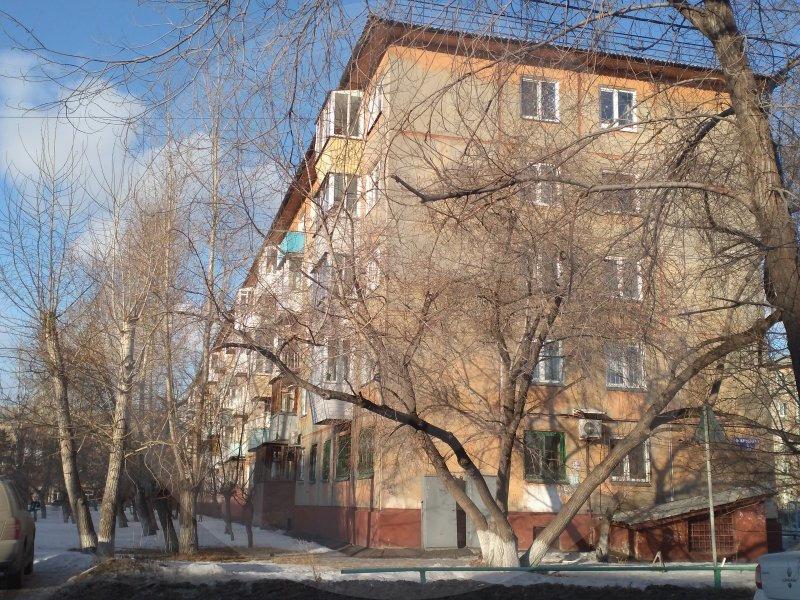 Продается трехкомнатная квартира за 2 500 000 рублей. Омск, Ленинский район, Федора Крылова, 8.