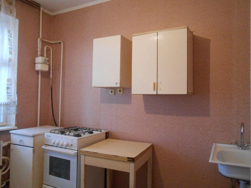 Продается однокомнатная квартира за 1 700 000 рублей. Курск, Косухина, 27.