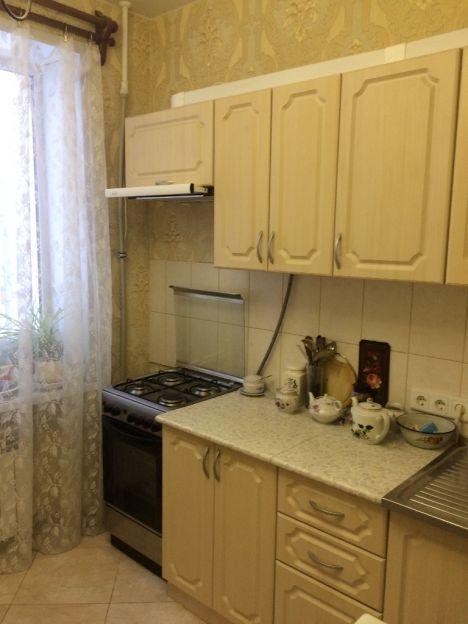 Продается двухкомнатная квартира за 2 200 000 рублей. Киров, Первомайский район, Ленина, 51.