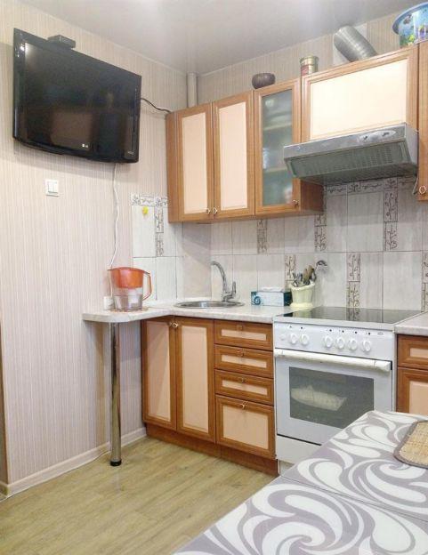 Продается трехкомнатная квартира за 4 200 000 рублей. Благовещенск, Театральная, 98.