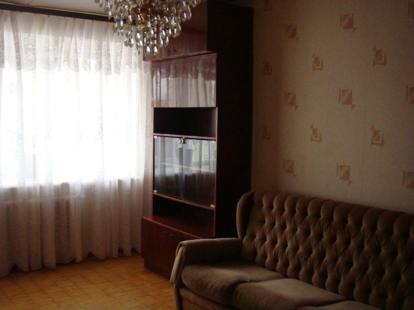 Продается двухкомнатная квартира за 2 150 000 рублей. Екатеринбург, Чкаловский район, Патриотов, 10.