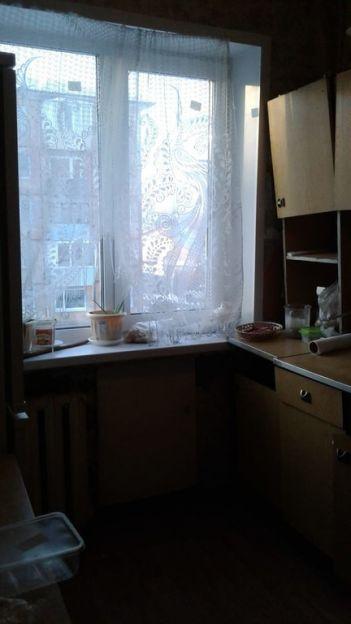 Продается трехкомнатная квартира за 2 200 000 рублей. Омск, Октябрьский район, Космический проспект, 95.