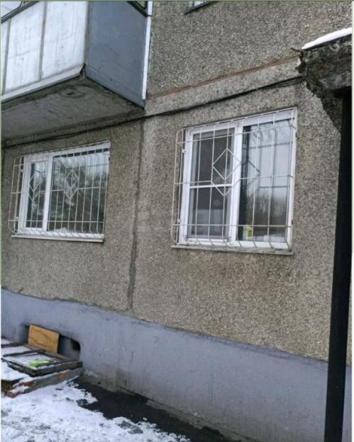 Продается двухкомнатная квартира за 1 880 000 рублей. Барнаул, Октябрьский район, Западная 1-я, 42а.