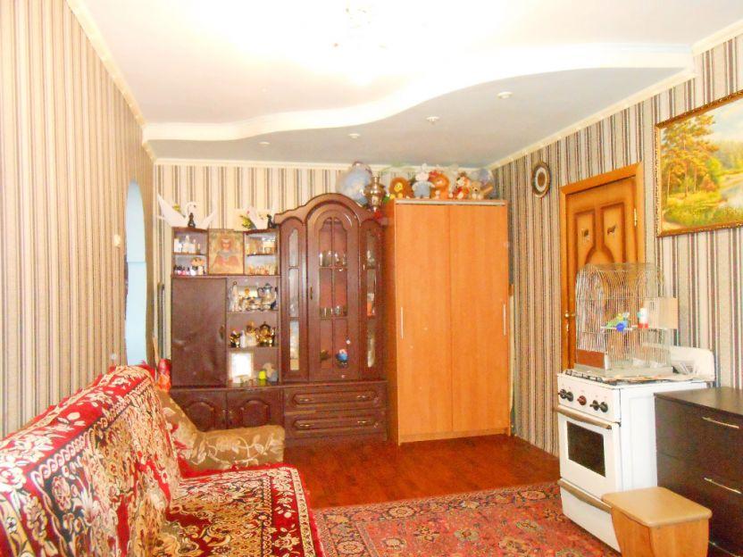 Продается трехкомнатная квартира за 1 770 000 рублей. Курск, Гагарина, 22а.
