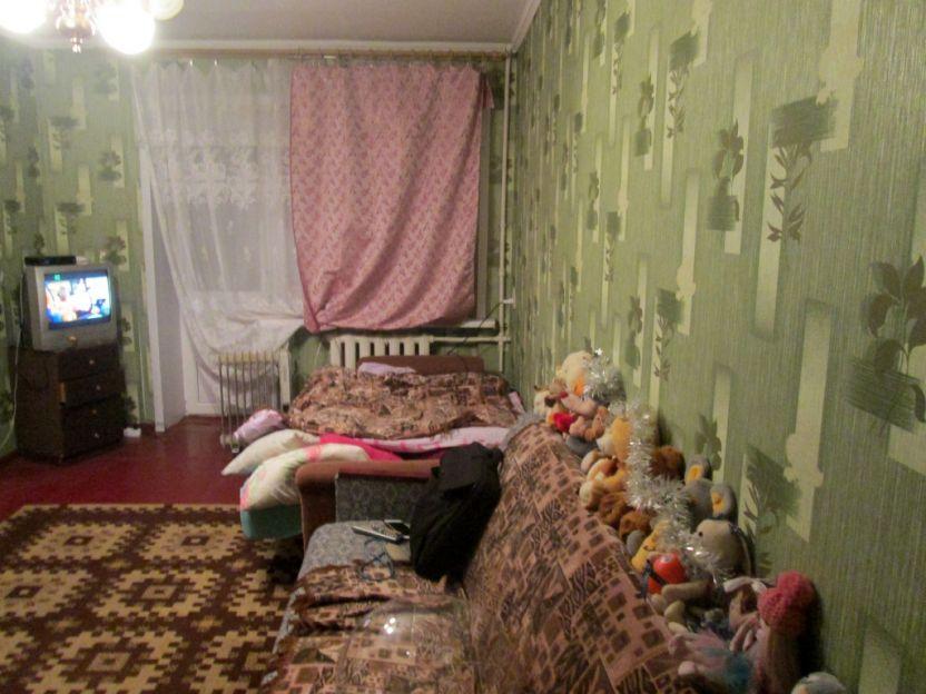 Продается двухкомнатная квартира за 1 890 000 рублей. Курск, Карла Маркса, 72/7.