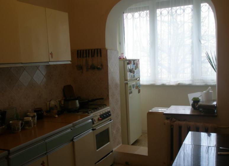 Продается трехкомнатная квартира за 4 500 000 рублей. Симферополь, Победы проспект, 62.