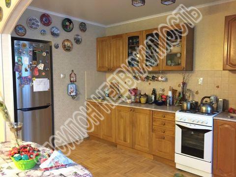 Продается трехкомнатная квартира за 6 750 000 рублей. Курск, Дзержинского, 65/2.