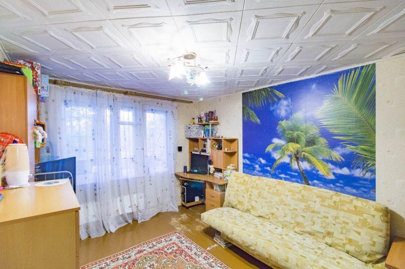 Продается однокомнатная квартира за 2 200 000 рублей. Екатеринбург, Железнодорожный район, Автомагистральная, 27.