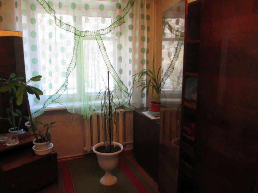 Продается трехкомнатная квартира за 1 850 000 рублей. Курск, Энгельса, 26/28.