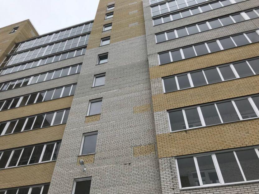 Продается однокомнатная квартира за 1 390 000 рублей. Омск, Ленинский район, Архиепископа Сильвестра, 7.