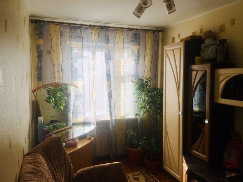 Продается трехкомнатная квартира за 2 350 000 рублей. Омск, Советский район, Менделеева проспект, 3.