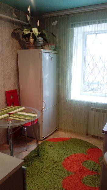 Продается двухкомнатная квартира за 2 750 000 рублей. г Пермь, ул Моторостроителей, д 3.