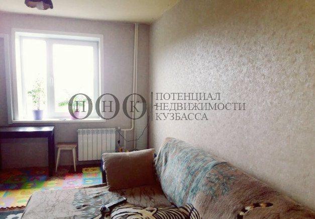 Продается трехкомнатная квартира за 2 630 000 рублей. Кемерово, Ленинский район, Химиков проспект, 24.