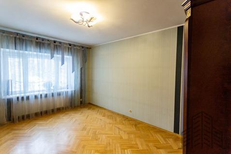 Продается четырехкомнатная квартира за 10 490 000 рублей. Калининград, Каштановая аллея, 17.