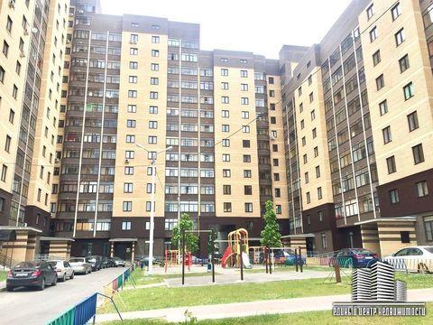 Продается трехкомнатная квартира за 5 650 000 рублей. Дмитров, Московская, 8.