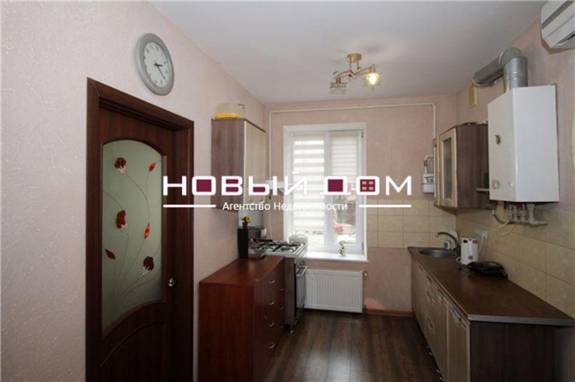 Продается двухкомнатная квартира за 3 999 000 рублей. респ Крым, г Симферополь, ул Тургенева, д 20.