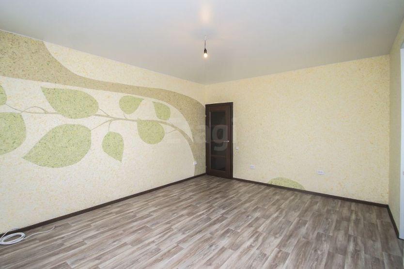 Продается трехкомнатная квартира за 3 750 000 рублей. Тюмень, Восточный район, Энергостроителей, 20 1к.