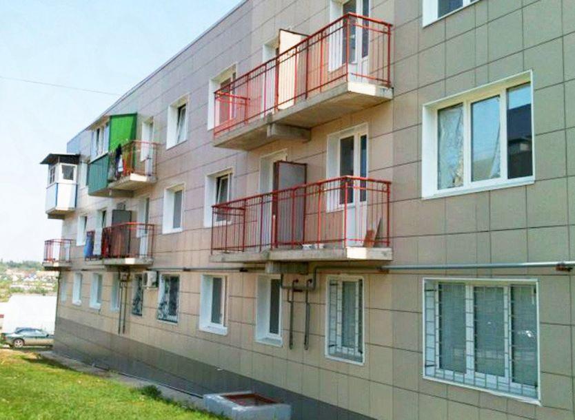 Продается однокомнатная квартира за 1 550 000 рублей. Волгоград, Советский район, им академика Комарова, 59.