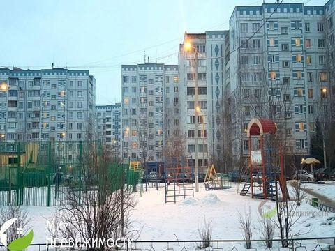 Продается двухкомнатная квартира за 3 400 000 рублей. Дмитров, им Владимира Махалина микрорайон, 14.