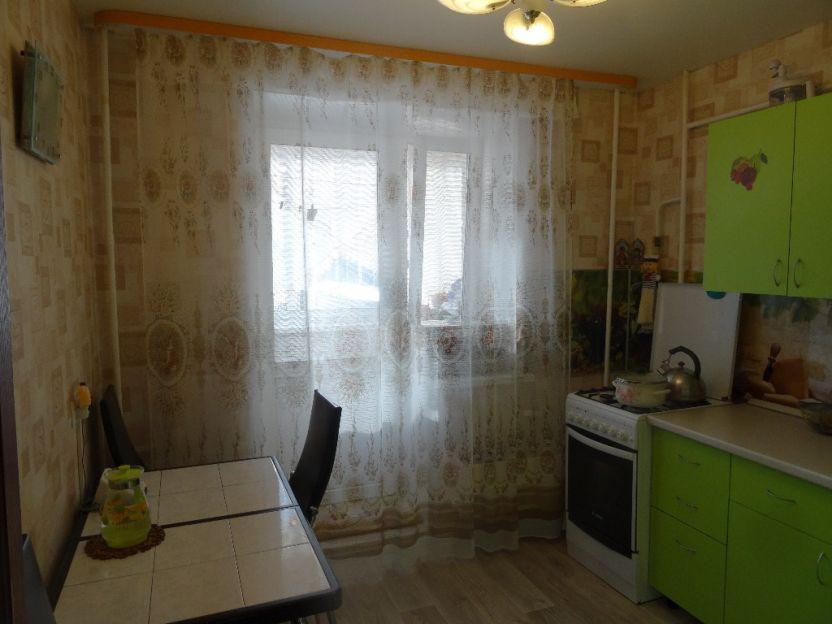 Продается двухкомнатная квартира за 2 920 000 рублей. Екатеринбург, Чкаловский район, Колхозная, 19.