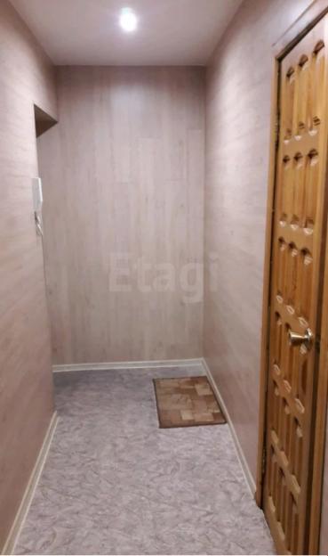 Продается двухкомнатная квартира за 2 070 000 рублей. Барнаул, Октябрьский район, Молодежная, 37.