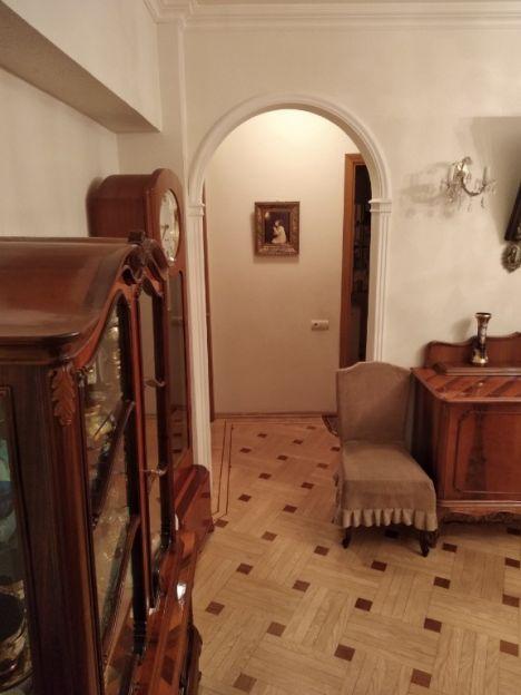 Продается трехкомнатная квартира за 15 650 000 рублей. Москва, Красноармейская, 24.