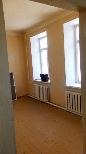 Продается двухкомнатная квартира за 900 000 рублей. Челябинская область, Копейск, Бажова, 12.