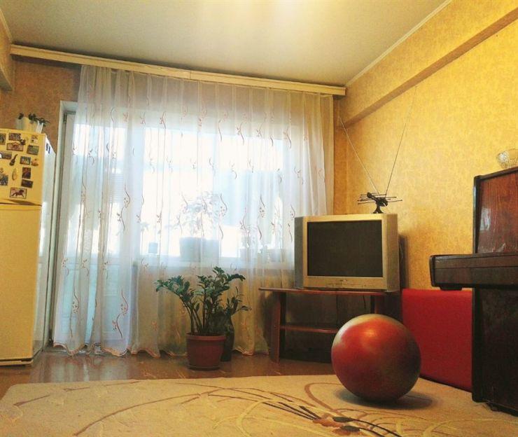 Продается трехкомнатная квартира за 3 600 000 рублей. Благовещенск, Ленина, 205/7.