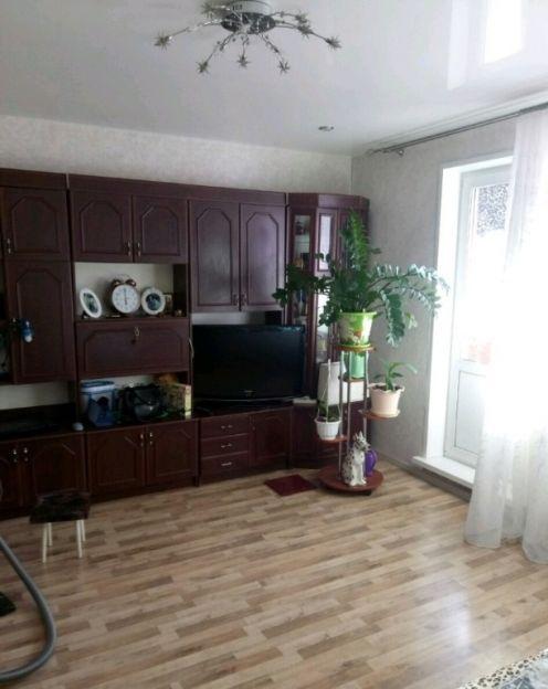 Продается четырехкомнатная квартира за 3 300 000 рублей. Красноярск, Советский район, 40 лет Победы, 12.