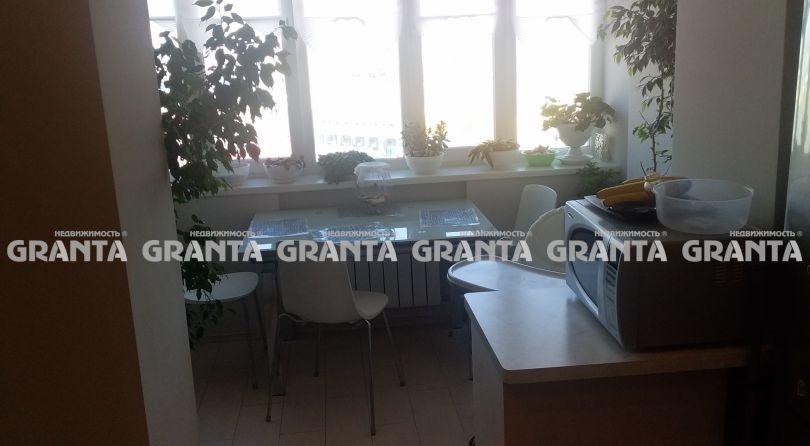 Продается двухкомнатная квартира за 4 400 000 рублей. г Красноярск, ул Мате Залки, д 7.