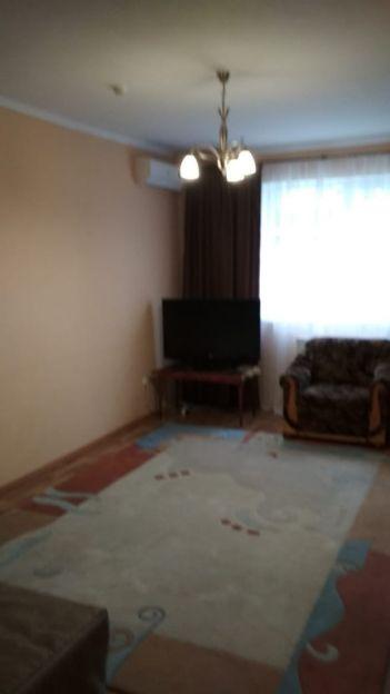 Продается однокомнатная квартира за 2 300 000 рублей. Краснодар, Прикубанский, им 40-летия Победы, 127.