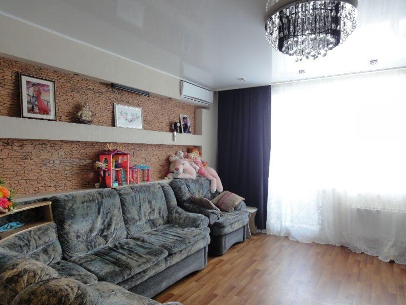 Продается двухкомнатная квартира за 5 400 000 рублей. Екатеринбург, Верх-Исетский район, Токарей, 26.