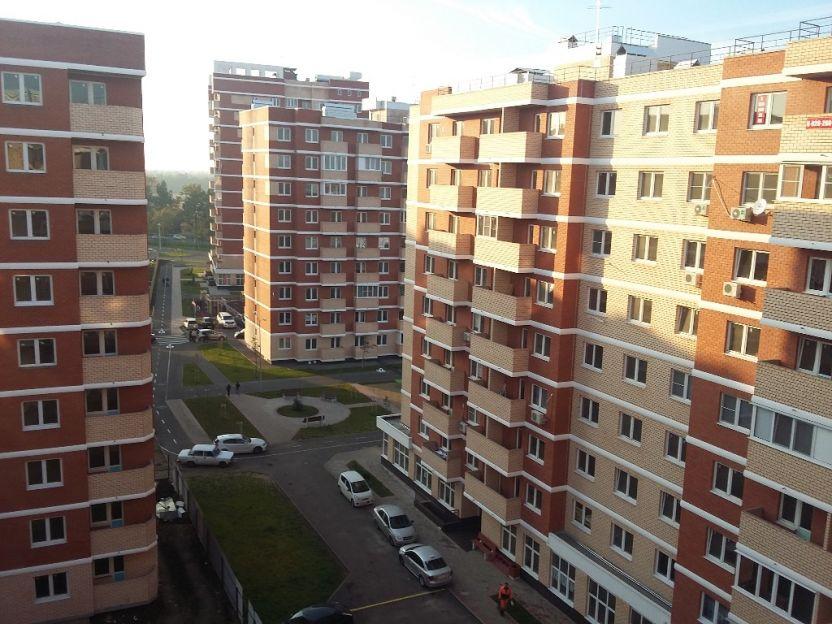 Продается трехкомнатная квартира за 3 500 000 рублей. Краснодар, Прикубанский, Западный Обход, 42.