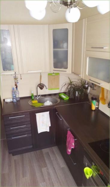 Продается трехкомнатная квартира за 2 575 000 рублей. Барнаул, Ленинский район, Островского, 25.