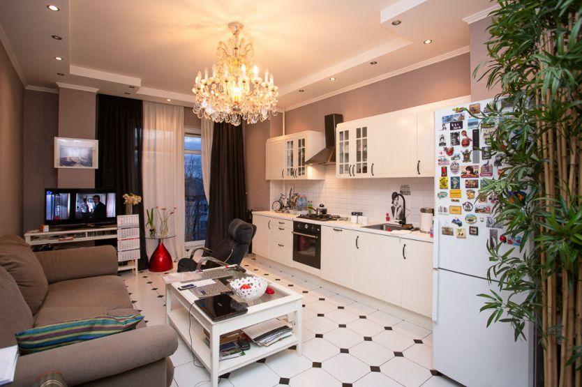 Продается двухкомнатная квартира за 15 000 000 рублей. Калининград, Мира проспект, 84.