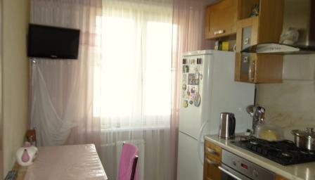 Продается трехкомнатная квартира за 4 000 000 рублей. Московская обл, г Наро-Фоминск, село Атепцево, ул Речная, д 5.