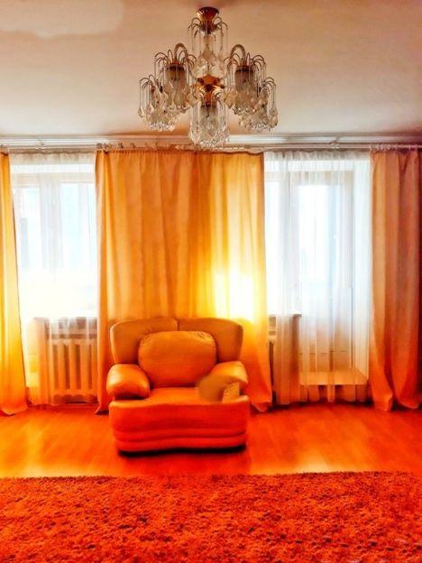 Продается трехкомнатная квартира за 3 950 000 рублей. Омск, Центральный район, Вавилова, 31.