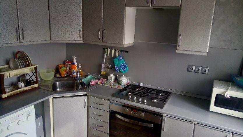 Продается однокомнатная квартира за 2 700 000 рублей. Екатеринбург, Октябрьский район, Бажова, 99.