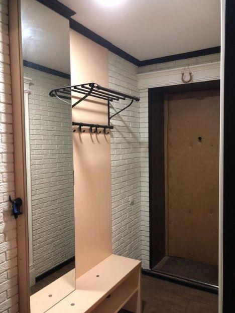 Продается трехкомнатная квартира за 2 850 000 рублей. Омск, Ленинский район, Серова, 8б.