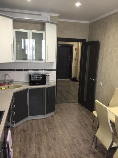 Продается однокомнатная квартира за 2 960 000 рублей. Калуга, Ленинский район, 65 лет Победы, 41.