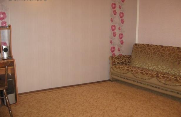 Продается двухкомнатная квартира за 1 900 000 рублей. Симферополь, Артиллерийская, 12.