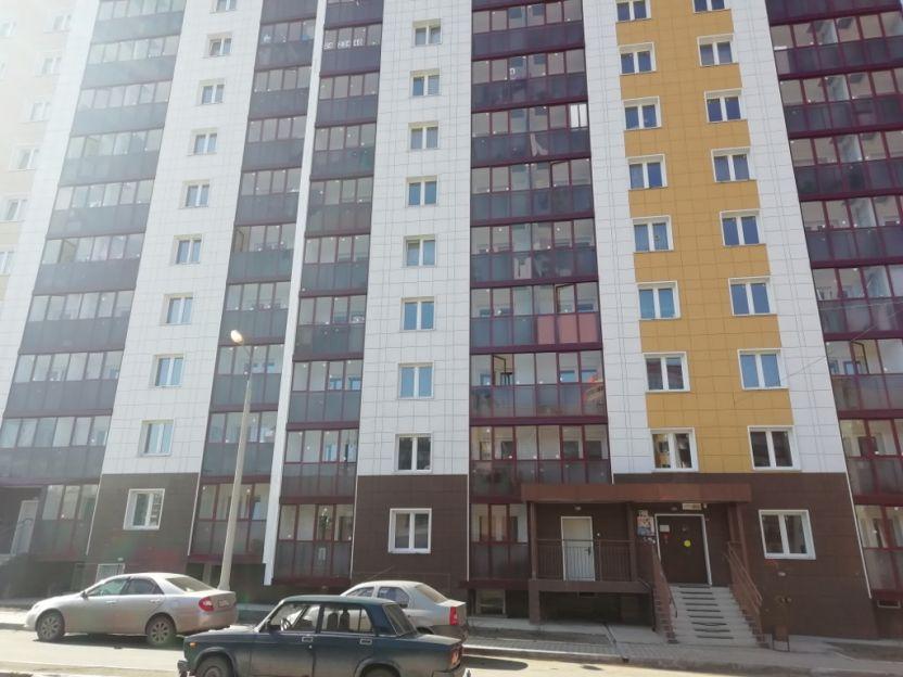 Продается двухкомнатная квартира за 3 100 000 рублей. г Красноярск, ул Соколовская, д 70.