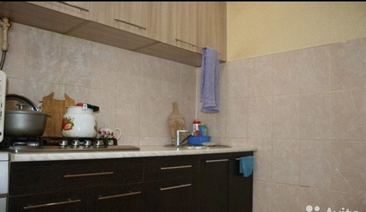 Продается двухкомнатная квартира за 1 750 000 рублей. Киров, Ленинский район, Чапаева, 10.