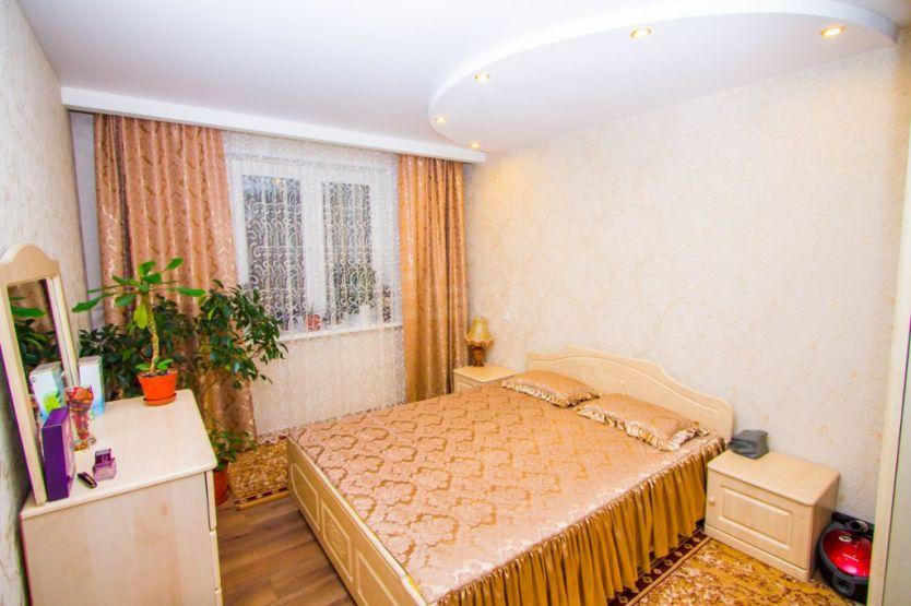 Продается трехкомнатная квартира за 3 800 000 рублей. Нижний Новгород, Московский район, Березовская, 87а.