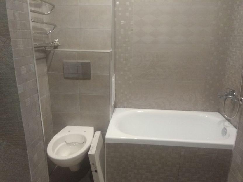 Продается трехкомнатная квартира за 2 950 000 рублей. Иваново, Ленинский район, Строителей проспект, 78.