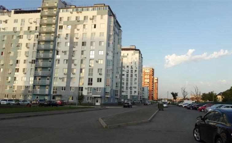 Продается однокомнатная квартира за 2 200 000 рублей. Краснодар, Западный, им Симиренко, 39.