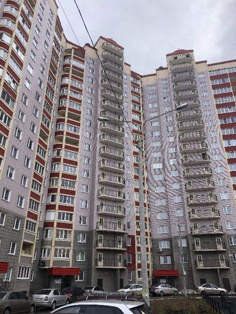 Продается однокомнатная квартира за 2 100 000 рублей. Калуга, Ленинский район, Калужского Ополчения, 9.