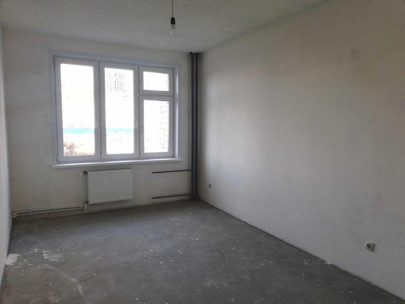 Продается трехкомнатная квартира за 4 560 000 рублей. Тюменская обл, г Тюмень, ул Василия Подшибякина, д 20.