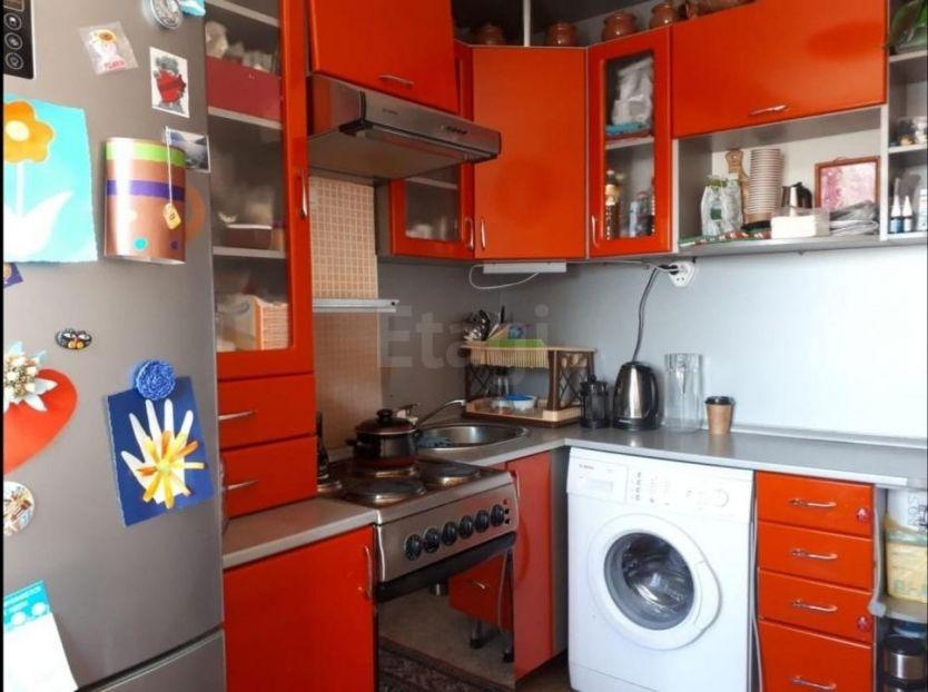 Продается двухкомнатная квартира за 2 200 000 рублей. г Барнаул, ул Георгия Исакова, д 247.